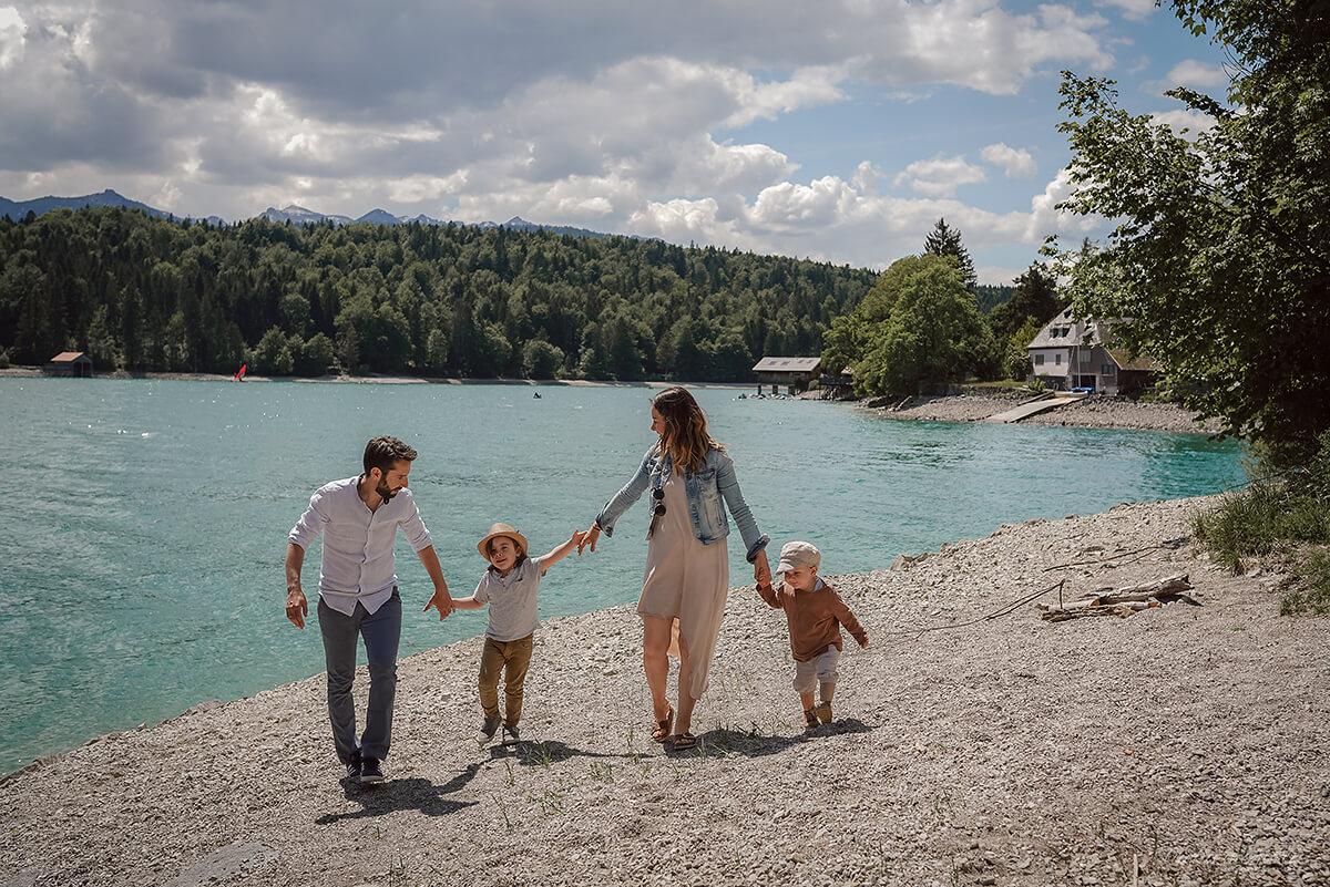Glückliche Familienbilder München