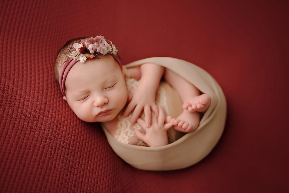 Baby Shooting München mit Neugeborenen Fotograf